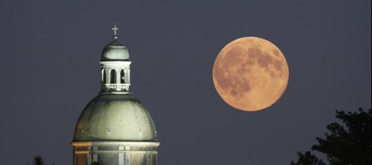 Cosa c'è da sapere sulla Super Luna del 3 dicembre (e come vederla con le nuvole)