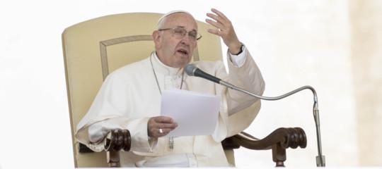 Papa: non lasciamoci vincere da vanità e delusioni