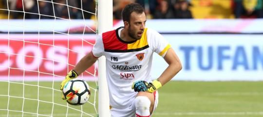 Chi è AlbertoBrignoli, il portiere che ha infranto la maledizione del Benevento. Di testa