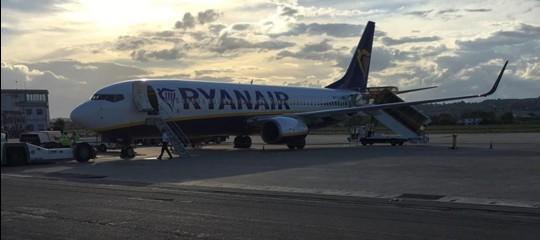 """Ryanairnel mirinoAntitrust: """"Non informa su stop ai voli"""""""