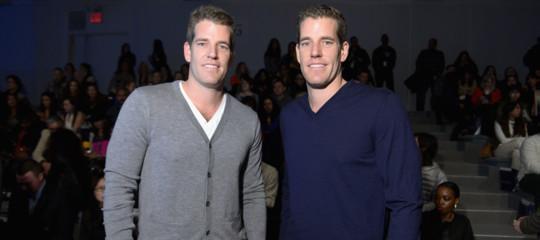 I gemelliWinklevoss, quelli a cuiZuck'rubò'Facebook, sono i primi miliardari di