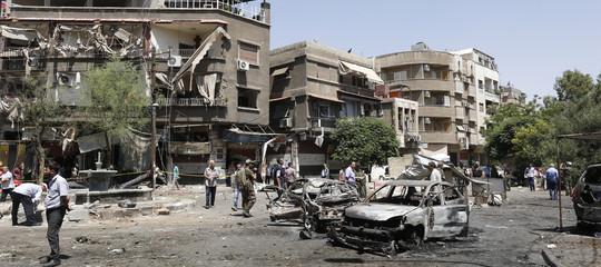 Siria: Osservatorio, attacco aerei israeliani vicino Damasco