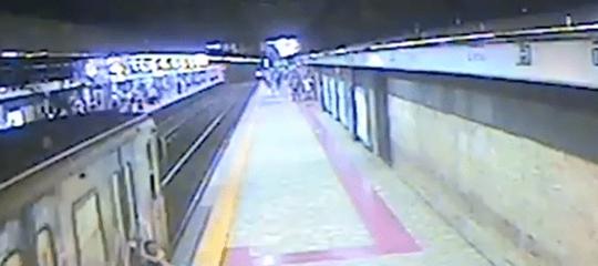 Atacreintegra il macchinista della metro chetrascinòla donna lo scorso luglio