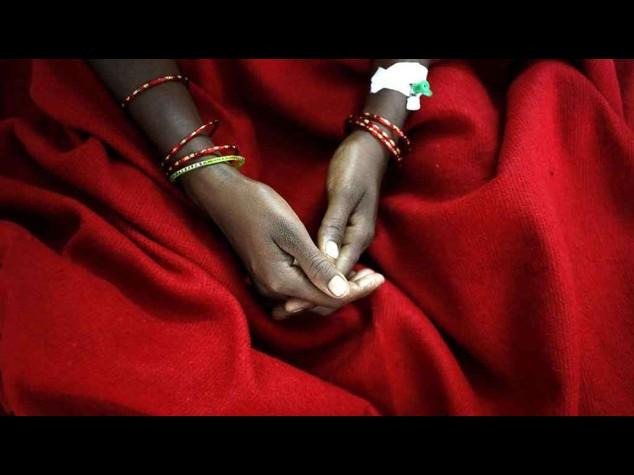 India: stupro su taxi, bandito il servizio Uber a New Delhi -  Video