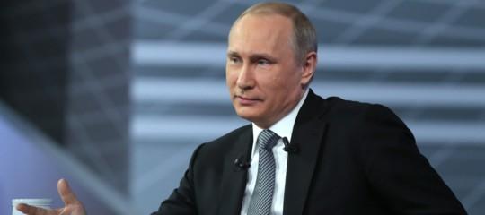 Putin ordina il ritiro delle truppe russe dalla Siria
