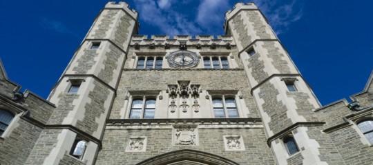 Quattro università americane hanno deciso di abbattere l'enorme debito degli studenti