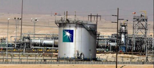 Petrolio: l'Arabia Saudita taglierà l'export verso l'Asia a gennaio