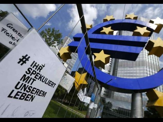 """Allarme Bce, Italia a rischio """"consolidi i conti"""""""