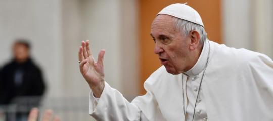 Papa negozi aperti: schiavi senza domenica libera
