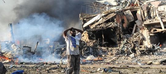 Somalia: kamikaze ad accademia di polizia, almeno 13 morti