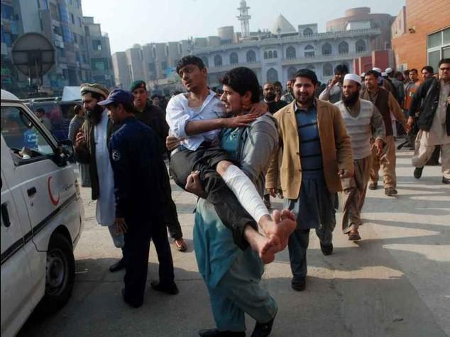Taliban militants massacre hundreds in Pakistan school