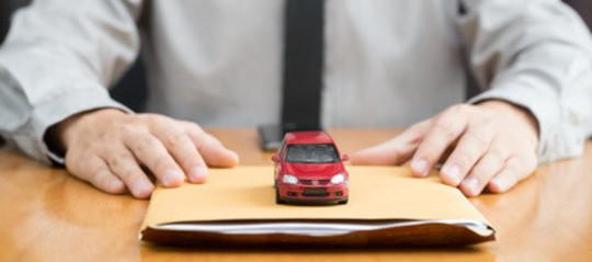 Assicurazione auto: quali documenti esibire