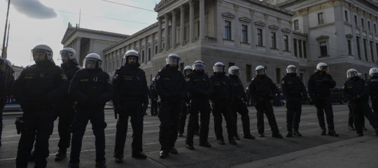 Il governo austriacodi ultradestra vuole subito 'annettersi' cittadini e atleti sudtirolesi. Romareagirà?