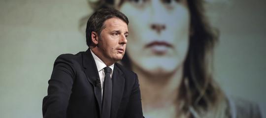 """Renzi esclude passo indietro di Boschi. """"Non sapevo della mail di Carrai"""""""