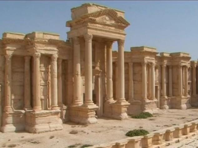 """Isis: allarme da ong e governo, """"mine piazzate per distruggere Palmira"""""""