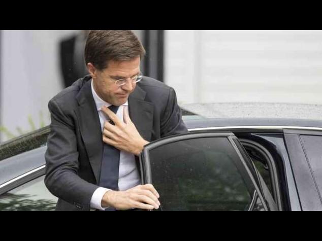 Aereo abbattuto: premier Olanda, prime salme arriveranno domani