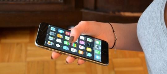 "Classactionin Usa contro laAppleper gliiPhone""rallentati"""