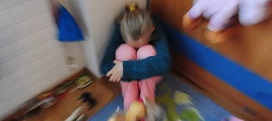 Pedofilia: abusi su bimba di 9 anni, 75enne in carcere a Siracusa