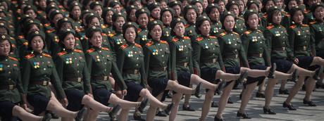 Una parata militare per l'anniversario della nascita del leader della Corea del Nord, Kim Il-Sung a Pyongyang