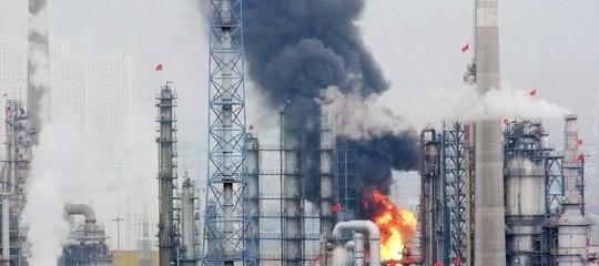 Glencorecede 51% attivitàstoccaggio petrolio alla cinese Hna