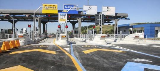 Da oggi i pedaggi autostradali costano di più. Cosa bisogna sapere