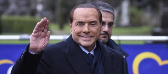 L'euro ha realmente dimezzato i redditi degli italiani, come dice Berlusconi?
