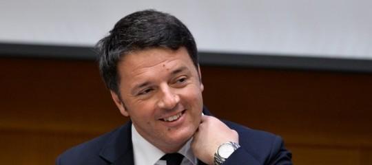"""Ambiente.Renzi sui sacchetti bio: """"Buon complotto a tutti"""""""