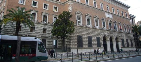 Uffici dei giudici di pace fermi un mese. Come regolarsi per gli atti