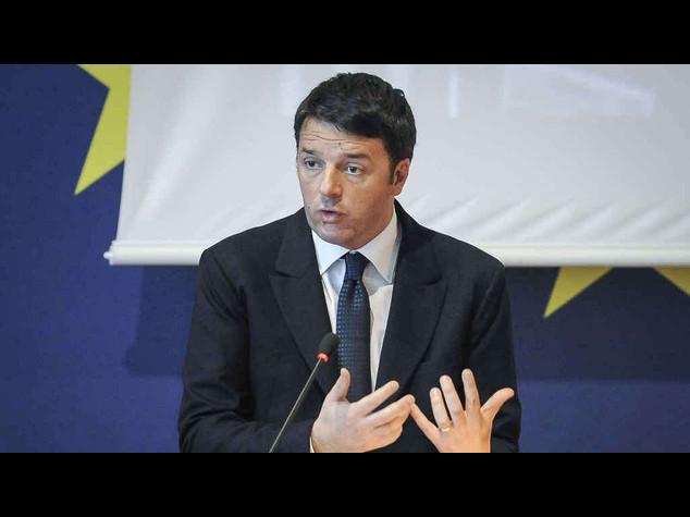 Lucchini, firmato l'accordo per Piombino. La gioia di Renzi