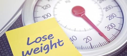Volete perdere peso? Non ditelo a nessuno. Uno studio