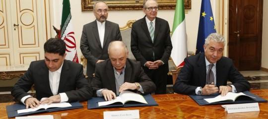 Italia-Iran: firmato accordo per investimenti fino a 5 miliardi euro