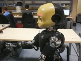 Ecco iCub, il robot che somiglia a un bambino nato all'IIT di Genova