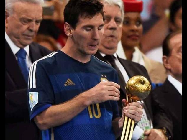 """Messi pallone d'oro Fifa: Maradona, """"premio dato dagli sponsor"""""""