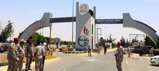 Libia: scontri all'aeroporto di Tripoli, 3 morti e 6 feriti