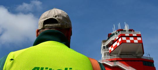 Alitalia: Governo,approfondiamo prima di negoziazioni in esclusiva
