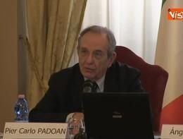 Padoan: ancora troppi giovani lasciano l'Italia
