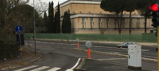 Chiuso per sempre il mercato abusivo davanti alla moschea di Roma?