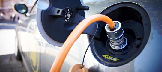 Perché senza incentivi l'auto elettrica in Italia non andrà da nessuna parte