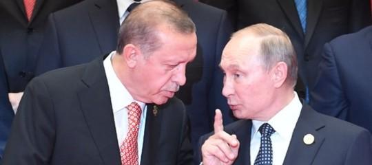 Erdoganbombarda i curdi,Putinli invita al tavolo