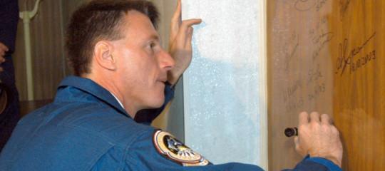 Appello dell'astronauta Foale per la Stazione Spaziale Internazionale