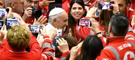 Papa: l'accoglienza è uno schiaffo a cultura delloscarto