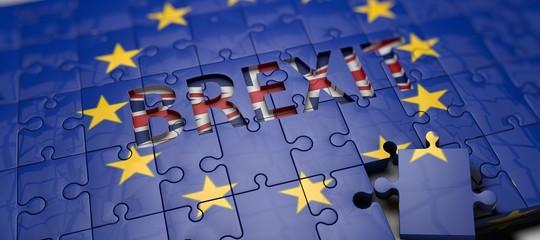 Brexit: Ue a 27 approva mandato negoziale su periodo transitorio