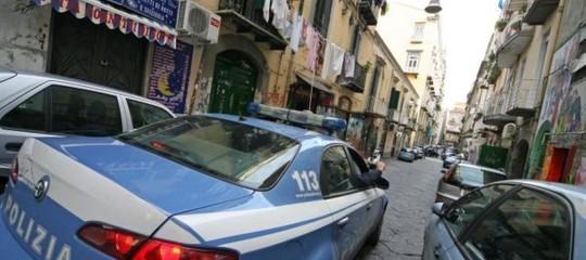 Rapina con ferro da stiro in pizzeria, arrestato somalo a Bari