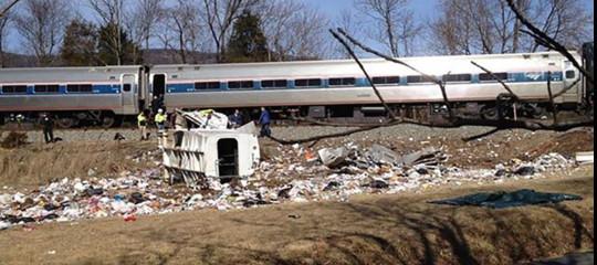 Usa: treno con parlamentari Congresso investe camion, 1 morto