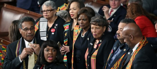 Perché i parlamentari neri indossavano una stola colorata mentre parlavaTrump?
