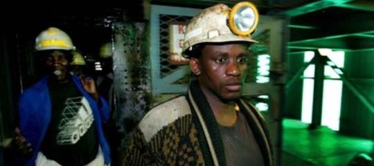 Sudafrica: 950 minatori intrappolati sotto terra per un blackout