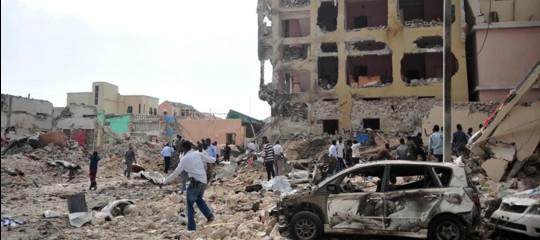 Somalia: bomba a Mogadiscio, 3 morti