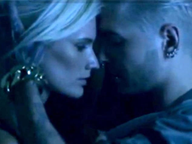 Musica: ecco nuovi Tokio Hotel, video choc con orgia e cover hard - Video