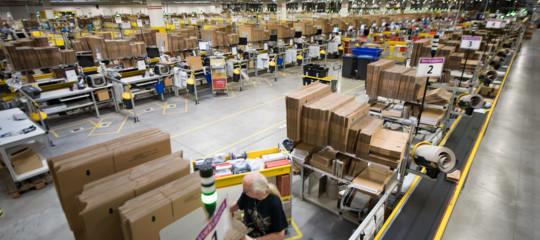 Amazon: Calenda, in 'Industria 4.0' braccialetti ma solo per macchine