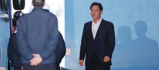 Samsung: erede della dinastia rimesso in libertà